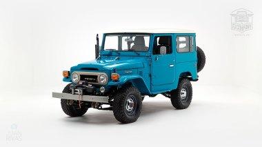 The-FJ-Company-1983-FJ40-Land-Cruiser-Sky-Blue-361714-Studio_007