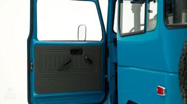 The-FJ-Company-1983-FJ40-Land-Cruiser-Sky-Blue-361714-Studio_030