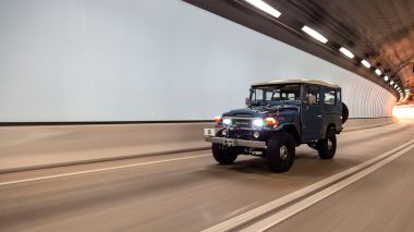 The-FJ-Company-1984-FJ43-Land-Cruiser---Venetian-Blue-113295---Lifestyle_023