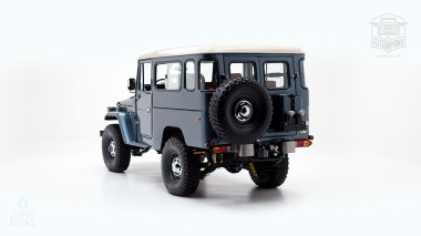 The-FJ-Company-1984-FJ43-Land-Cruiser---Venetian-Blue-113295---Studio_005