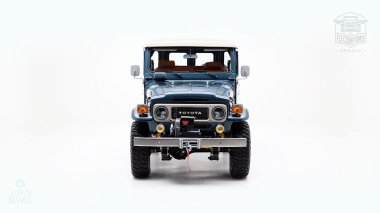 The-FJ-Company-1984-FJ43-Land-Cruiser---Venetian-Blue-113295---Studio_008