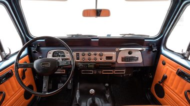 The-FJ-Company-1984-FJ43-Land-Cruiser---Venetian-Blue-113295---Studio_022