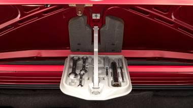 1992-BWM-325i-Cabriolet-Red-WBABB1314NEC05361-Studio-028