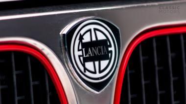 1992-Lancia-Delta-Integrale-White-Martini-Livery-ZLA31AB000580642-Studio-011