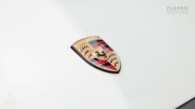 1992-Porsche-964-RS-Grand-Prix-White-491080-Studio-014