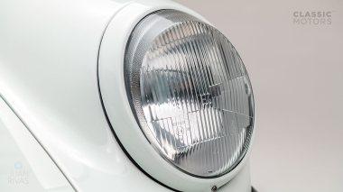 1992-Porsche-964-RS-Grand-Prix-White-491080-Studio-015