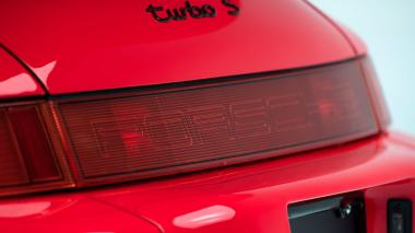 1994-3.6-Turbo-S-Guards-Red-WPOAC2967RS480425-Studio_017