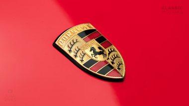 Classic-Motors-1991-Porsche-964-Carrera-RS-Coupe-WP0ZZZ96ZNS490280-Guards-Red-Studio_010