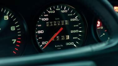 Classic-Motors-1991-Porsche-964-Carrera-RS-Coupe-WP0ZZZ96ZNS490280-Guards-Red-Studio_025