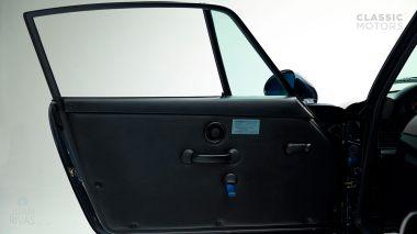 Classic-Motors-1992-Porsche-964-Carrera-RS-Midnight-Blue-026