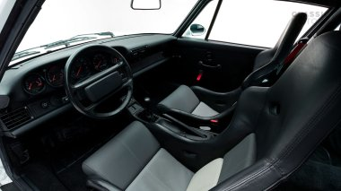 Classic-Motors--1992-Porsche-964-Carrera-RS-White-WP0ZZZ96ZNS490871-Studio_024