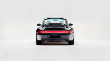 1995-Porsche-993-Carrera-Black-Studio_003