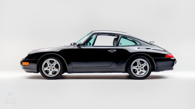 1995-Porsche-993-Carrera-Black-Studio_005