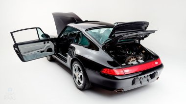 1995-Porsche-993-Carrera-Black-Studio_009