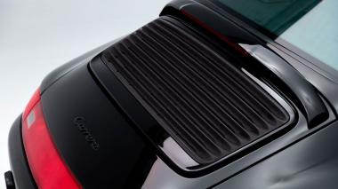 1995-Porsche-993-Carrera-Black-Studio_010