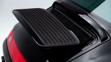1995-Porsche-993-Carrera-Black-Studio_011