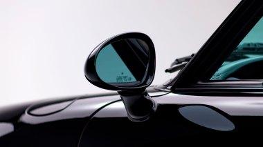 1995-Porsche-993-Carrera-Black-Studio_018