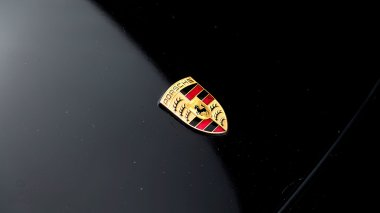 1995-Porsche-993-Carrera-Black-Studio_021