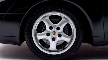 1995-Porsche-993-Carrera-Black-Studio_022