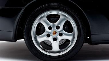 1995-Porsche-993-Carrera-Black-Studio_024