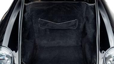 1995-Porsche-993-Carrera-Black-Studio_040