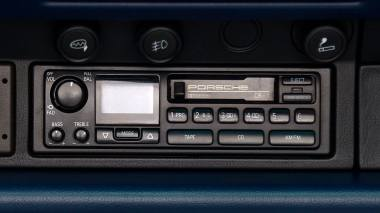 1995-Porsche-993-Carrera-Cabriolet-Iris-Blue-Pearl-WP0CA2995SS340243-Studio_017