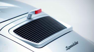Straat-Automobile-1994-Porsche-964---Speedster-Polar-Silver-WPOCB2963RS465352--Studio_017