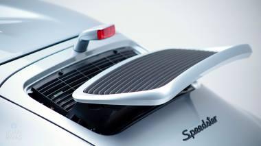 Straat-Automobile-1994-Porsche-964---Speedster-Polar-Silver-WPOCB2963RS465352--Studio_018
