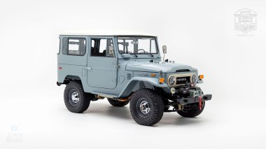 The-FJ-Company-1974-FJ40-151766-Heath-Gray-Studio_001