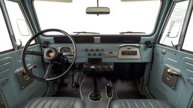 The-FJ-Company-1974-FJ40-151766-Heath-Gray-Studio_012