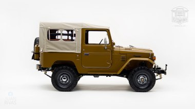 The-FJ-Company-1978-FJ40-Land-Cruiser---Olive-271607-Studio_004