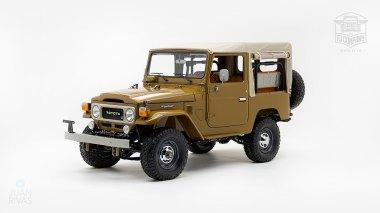 The-FJ-Company-1978-FJ40-Land-Cruiser---Olive-271607-Studio_010