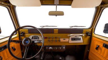 The-FJ-Company-1978-FJ40-Land-Cruiser---Olive-271607-Studio_014