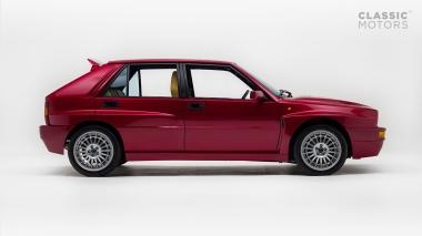 1995-Lancia-Delta-Integrale-HF-ZLA831AB000586062-Burgundy-Studio_002