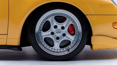 1995-Porsche-993-RS-Yellow-RS-WP0ZZZ99ZTS390331-Studio-17